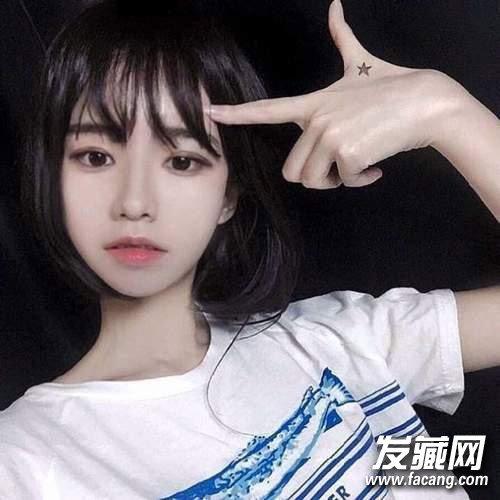 长刘海和学生头超适合减龄呢,学生妹们更适合呢,甜美俏皮,瞬间回到18