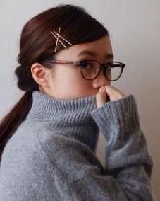 不用橡皮筋也能扎头发 用发卡打造精致发型