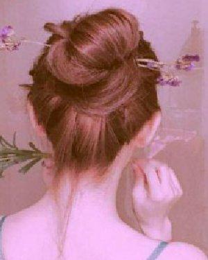 马尾辫+丸子头 青春的丸子头以及气质的蝴蝶结发型