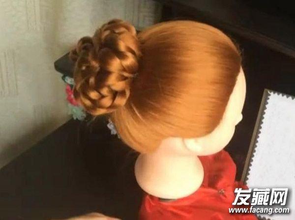 韩系花苞头扎法图解 最适合小清新美女! 韩式花苞头怎么扎