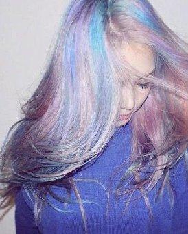 现在流行什么发型 彩妆大神Pony最新黑发下季最流行?