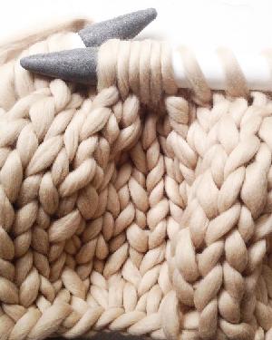 秋冬怎能少了针织品 「粗针织编发」头发更喜欢!