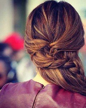 最新编发发型 换一种编法增加新鲜感