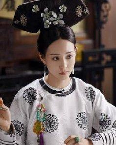 张钧甯的古装简单梳个低发髻 造型师该长点心了!
