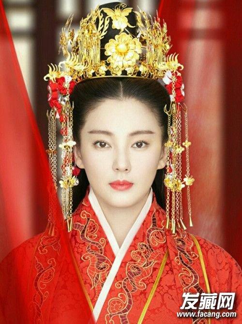 期待她再穿嫁衣的样子 →刘诗诗天线宝宝不算啥!图片