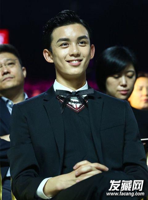 胡歌杨洋 2016金鹰节男星发型PK谁最帅? 胡歌金鹰节