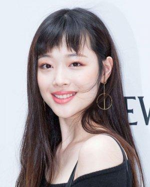 刘海改变个性 雪莉郭采洁都在剪的短刘海适合什么脸型?