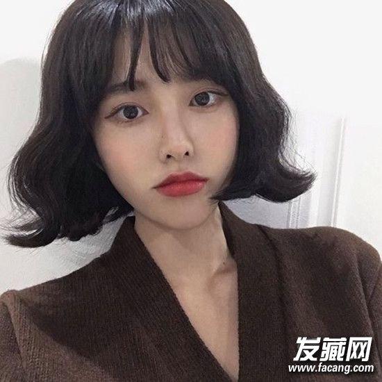 2016秋冬流行发型:齐脖短发烫卷发型(4)