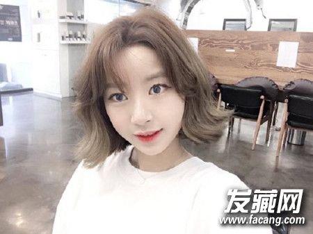 2017发型流行趋势揭晓 清爽短发无刘海设计图片