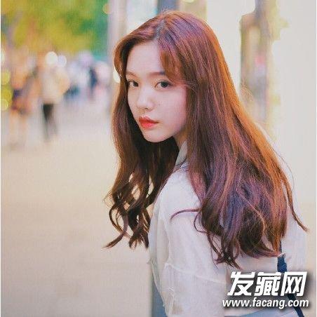 中发清新甜美 →学韩国女生剪短发发型 13款look时髦百变不 →2017年