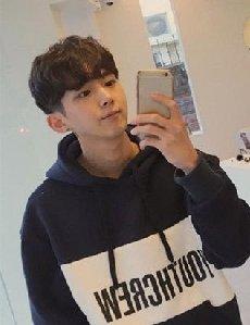 韩国男生发型推荐 刘海助力欧巴帅气造型