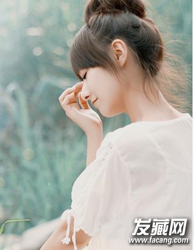 女生简单发型扎法 轻松演绎淑女范儿