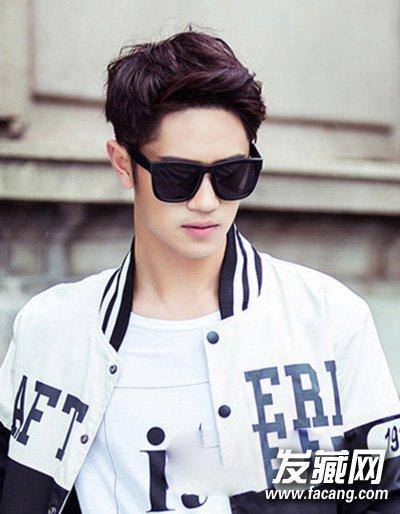 男生韩式烫发发型 打造时尚潮流型男