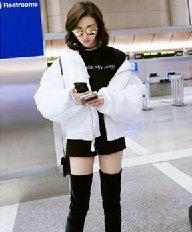 景甜杨紫美出新高度 短发LOB头时髦抢镜