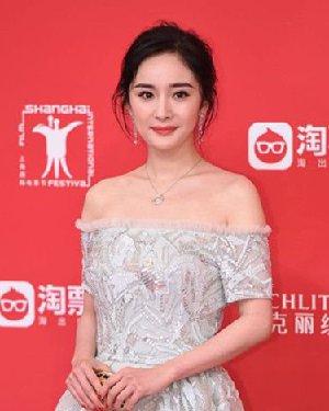 上海电影节明星红毯造型 短发很养眼