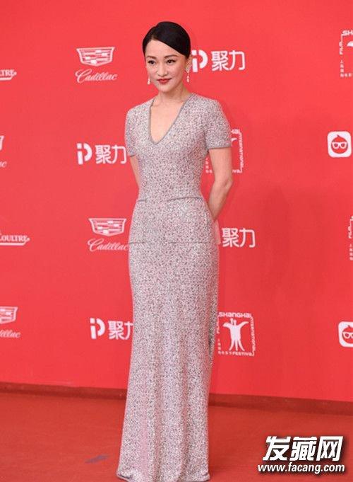 上海电影节开幕红毯 杨幂宋茜发型PK谁更美