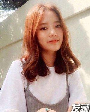 女生颧骨高适合的刘海发型