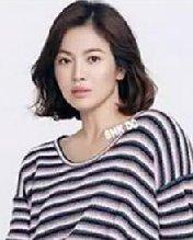 宋慧乔最新发型图片 短发造型轻盈个性
