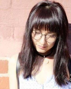 吴昕罕见晒长发 剪短发之后的她不知不觉美成小仙女!