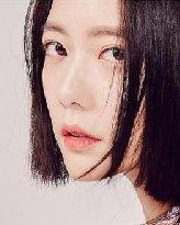 刘海换到没灵感?韩国女星疯剪出「日式公主切」