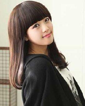 中长发的发型最新款 减龄卖萌齐刘海中长发发型