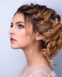 冬季发型怎样选?装饰设计啦脸形还提高潮流趋势感
