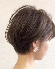 长头发剪短 膨松时尚潮流还显瘦