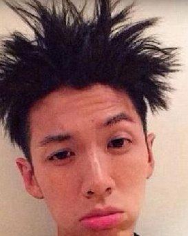 韩国式男士发型怎么弄?鬓角总是翘看我regent mohican大白头莫西
